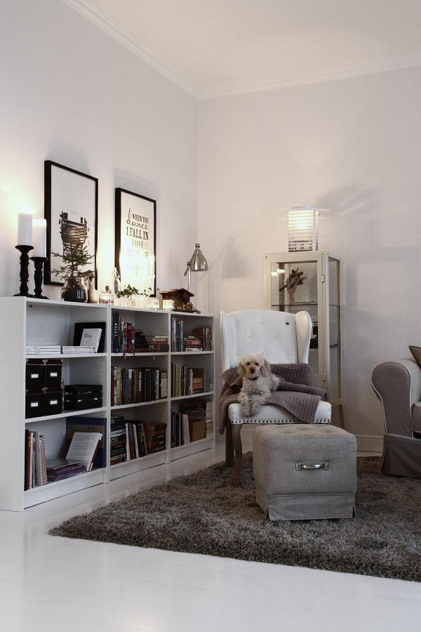 Pimpa en bokhylla LIFESTYLE and INTERIOR by SessanLIFESTYLE and INTERIOR by Se